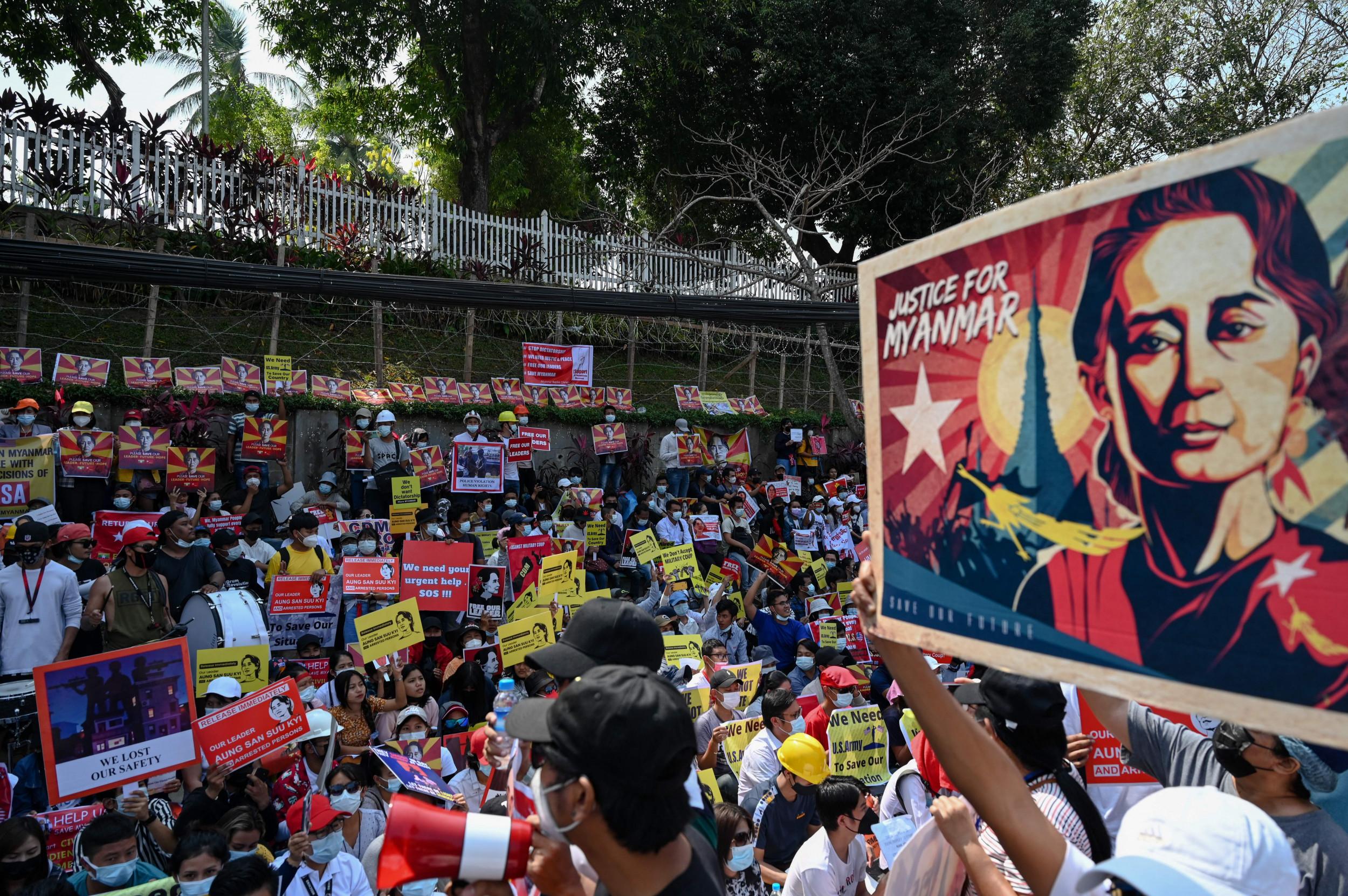 Myanmar Protesters Surround U.S. Embassy In Yangon, Urge Joe Biden To Help thumbnail