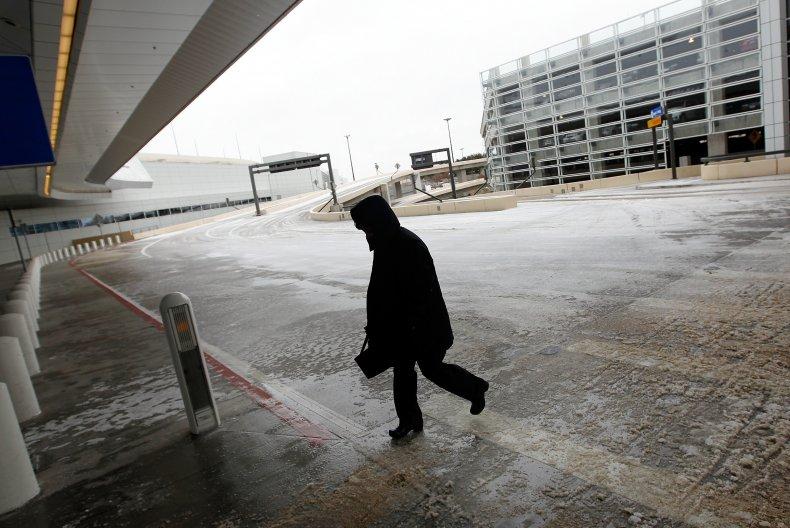 dallas austin houston airports cancel flights