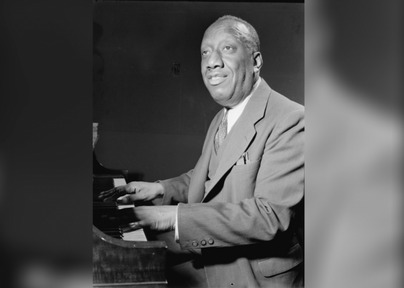 Jazz piano solos (Recordings of James P. Johnson's compositions 'Harlem Strut', 'Keep Off the Grass', 'Carolina Shout', and 'Worried and Lonesome Blues')