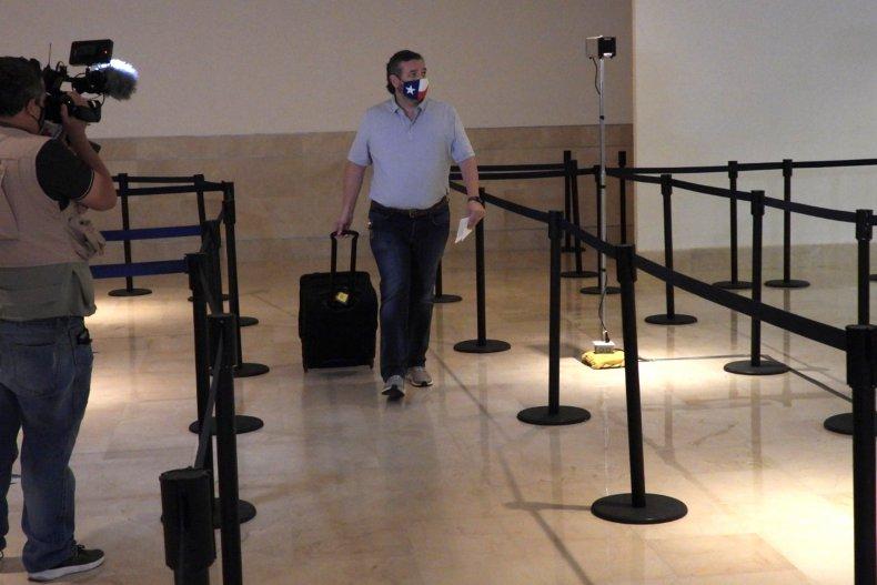 ted cruz checks in in cancun