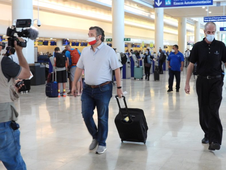 Ted Cruz at Cancun airport