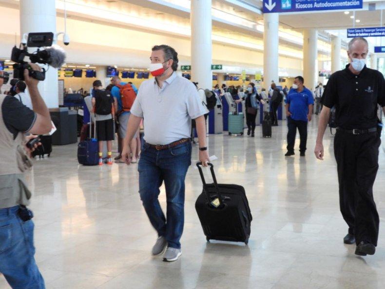 Ted Cruz leave Cancun, Mexico