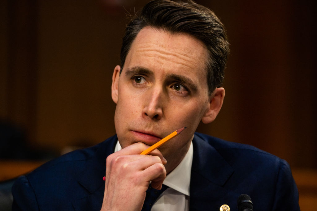 Josh Hawley Backs $15 Minimum Wage–But With One Condition thumbnail