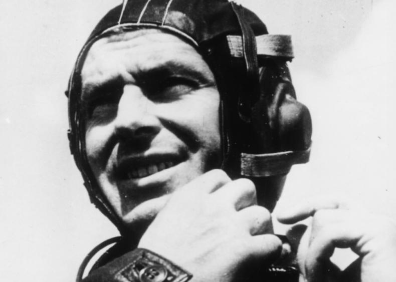 1961: First lengthy space flight