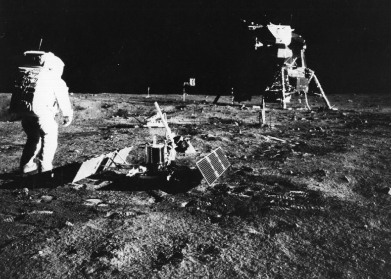 1969: First man pees on the moon