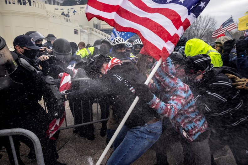 Trump supporters fight with Capitol police