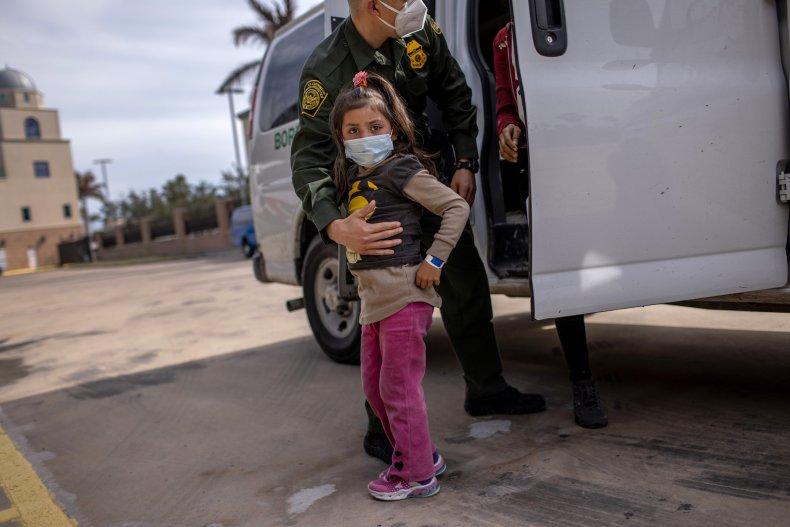 unaccompanied children at border tripes to 3,250