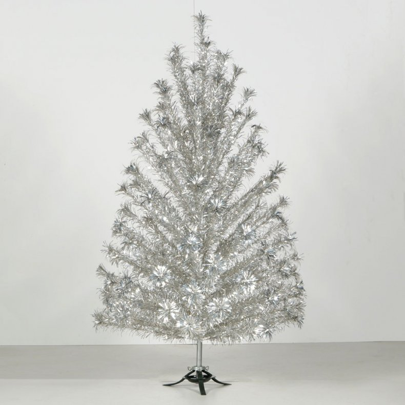 Aluminum Christmas Tree ebth