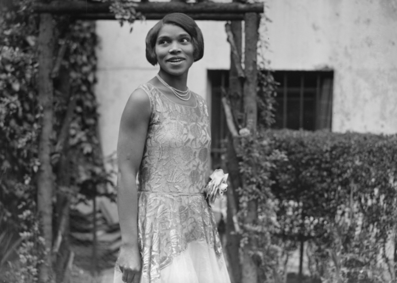1955: Marian Anderson performs at the Met