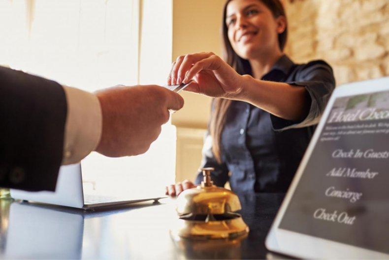 Hotel, motel, and resort desk clerks: Hawaii