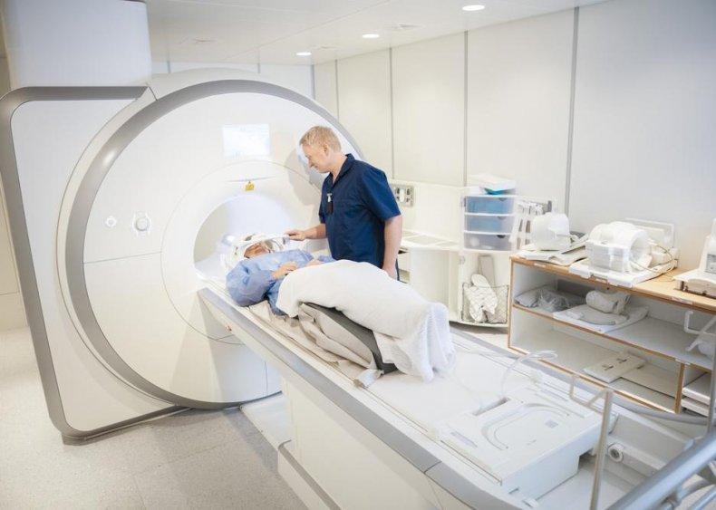 Magnetic resonance imaging technologists: California