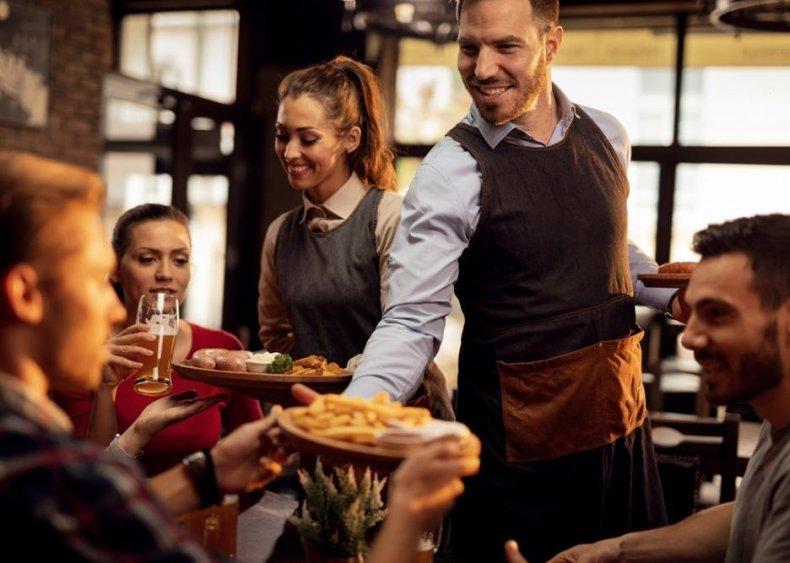 Waiters and waitresses: Hawaii