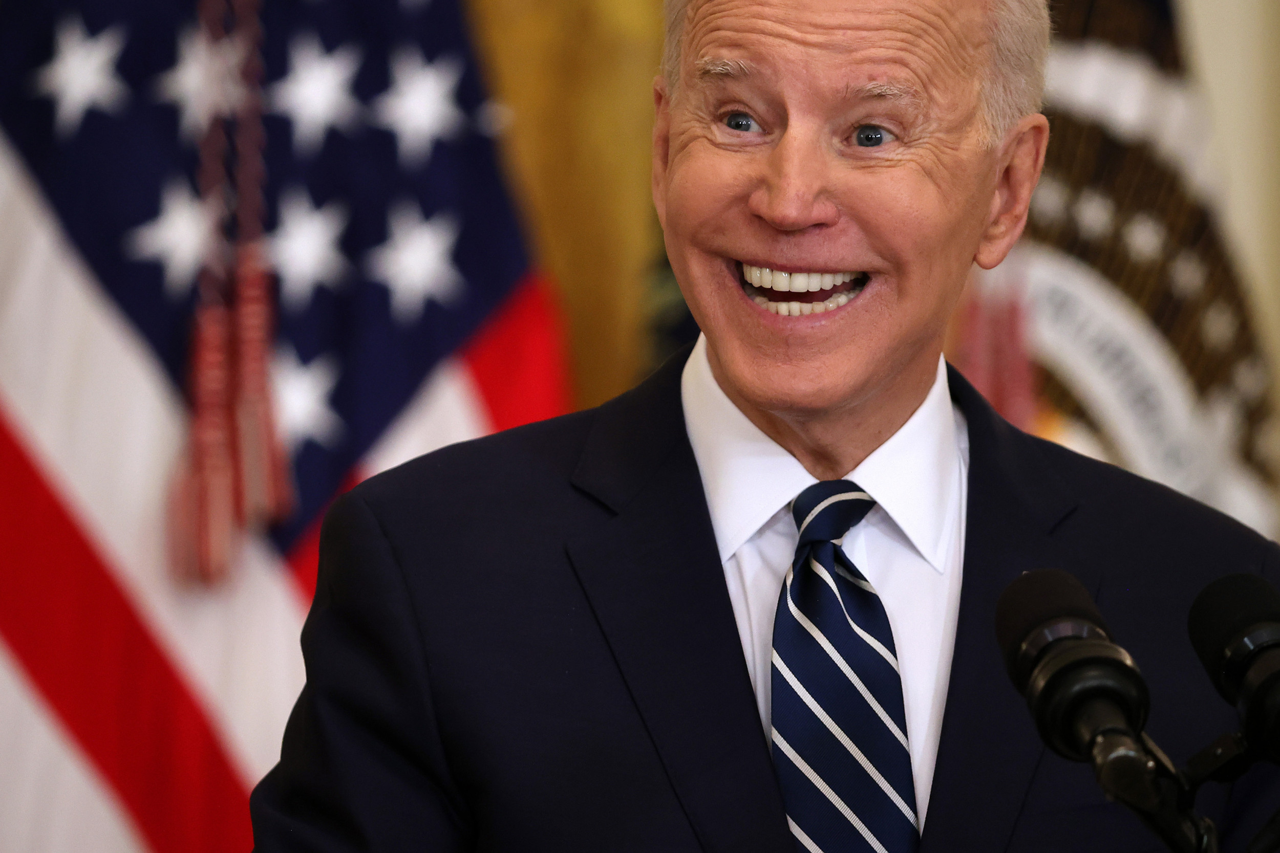 Joe Biden39s Press Conference Cheat Sheet Divides Opinion