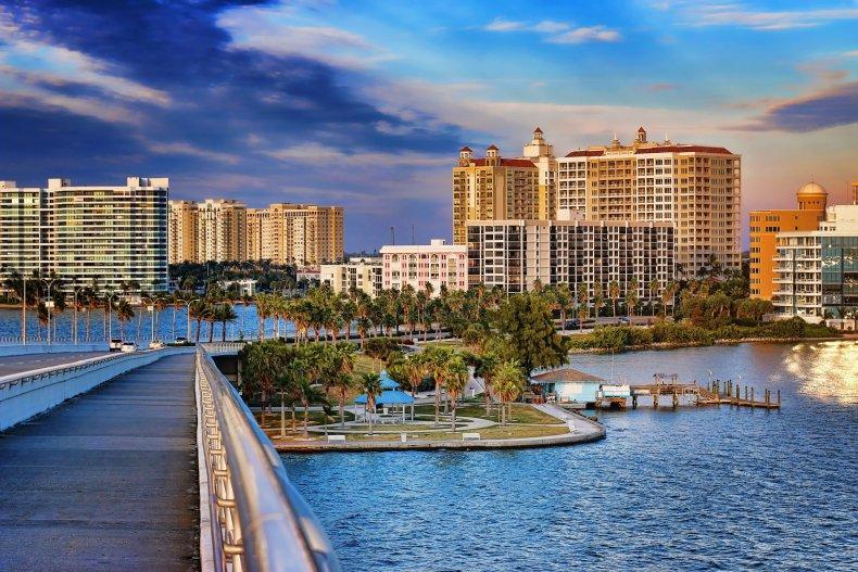 LA Sarasota Florida