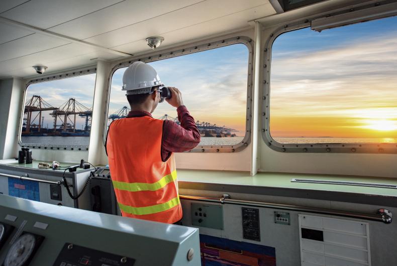 Captains, mates and water vessel pilot