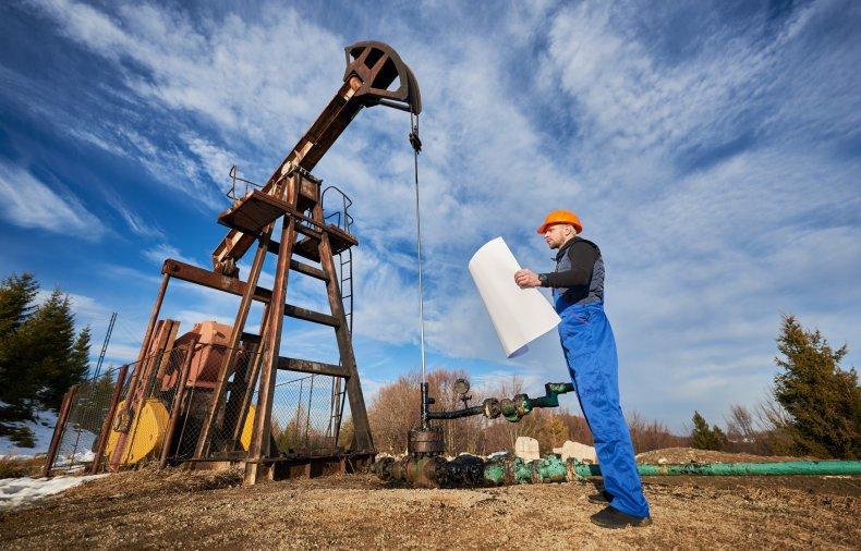 Refinery pump system operator