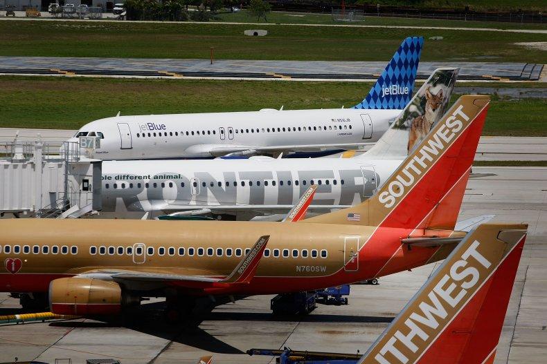 Fort Lauderdale Airport bomb threat closed