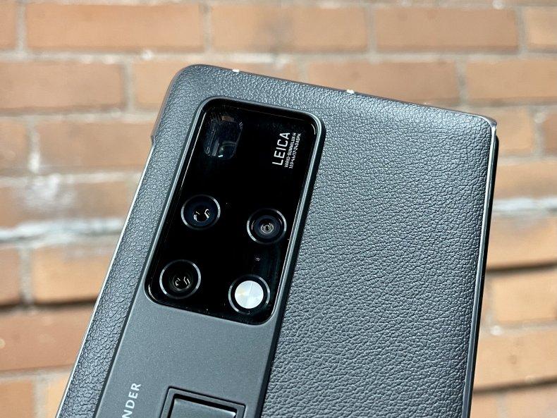 Huawei Mate X2 Review cameras