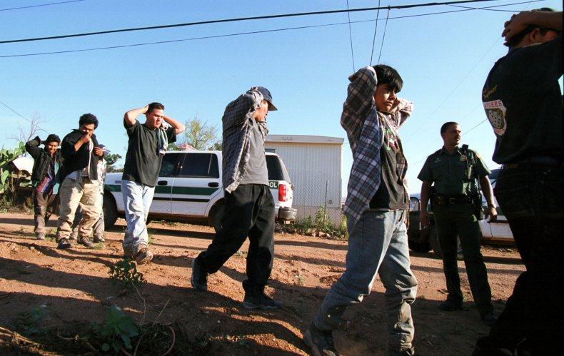 Arizona Border Patrol immigrants surrender immigration arrest