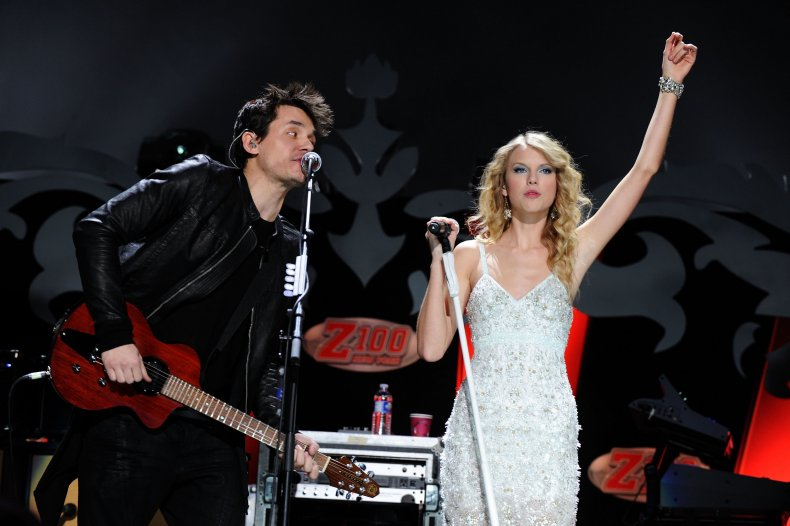 John Mayer and Taylor Swift perform onstage