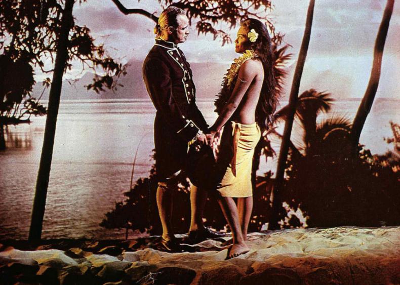 1962: Brando marries Tahitian actress Tarita Teriipaia