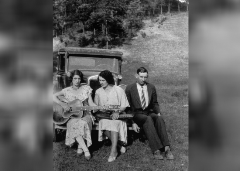 1943: The Carter Family disbands