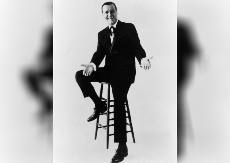 1948: Eddy Arnold releases 5 of the year's new #1 songs