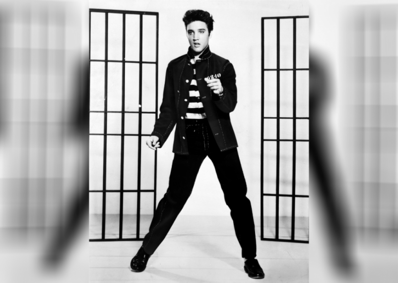 1954: Elvis makes his recording debut