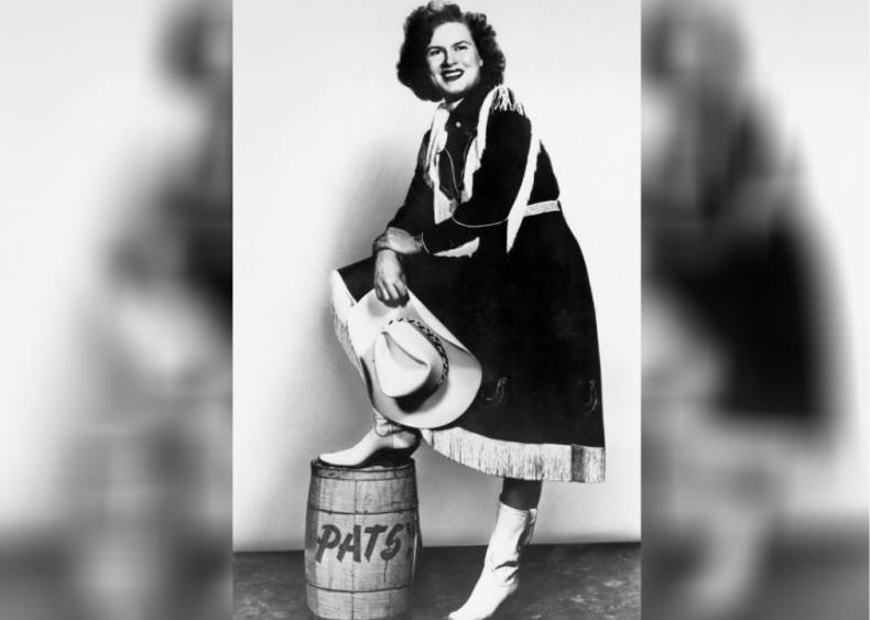 1960: Patsy Cline joins the Grand Ole Opry
