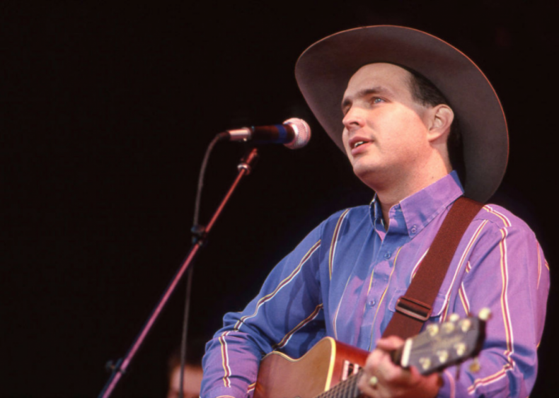 1988: Garth Brooks is discovered at the Bluebird Cafe