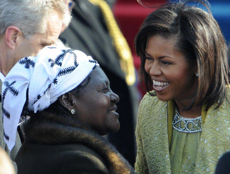Kezia Obama greets Michelle Obama