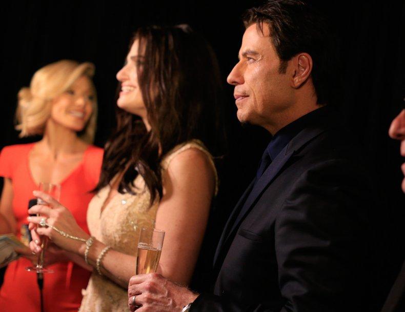 John Travolta mispronounces Idina Menzel name