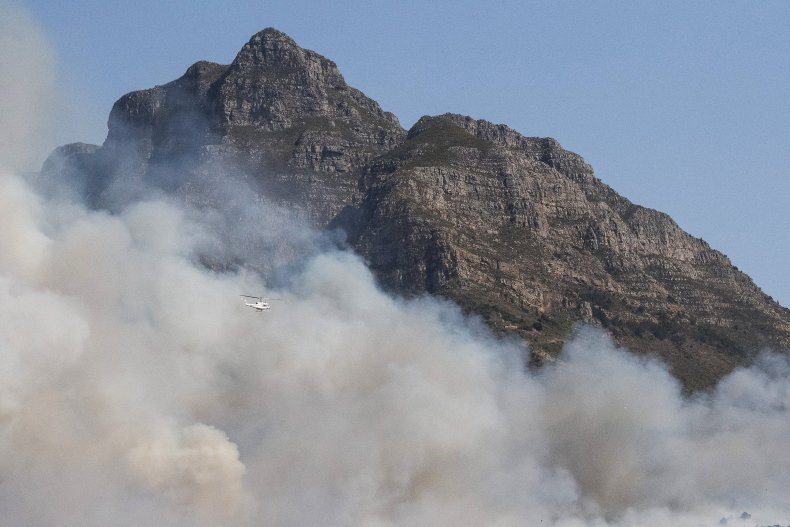 Wildfire burning on Table Mountain foothills