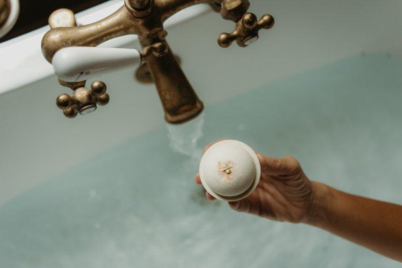 Life Elements Bath bomb