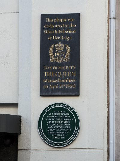 Queen Elizabeth Plaques at 17 Bruton Street