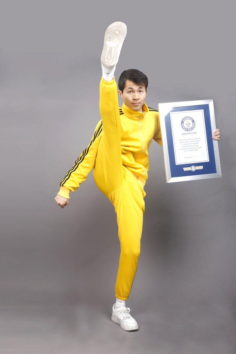 Chinese Martial Artists Challenges Guinness Records
