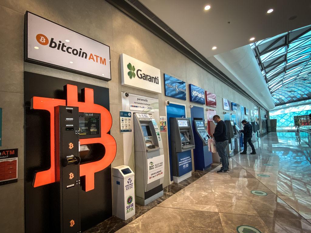 World Bank Denies El Salvador Bitcoin Legal Tender Request; Fed Keeps Rates Low