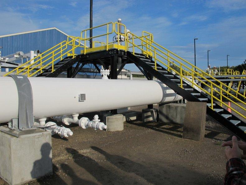 Canada Calls Oil Pipeline in Michigan 'Non-Negotiable'