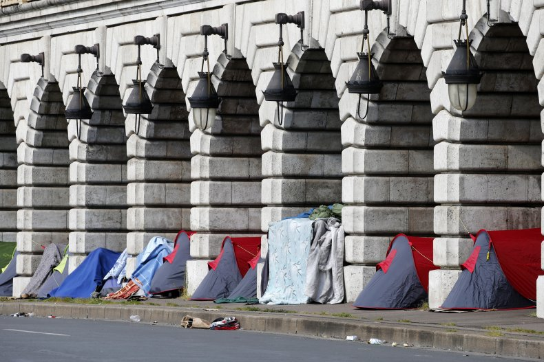 The city of Basel offers a deal for the homeless
