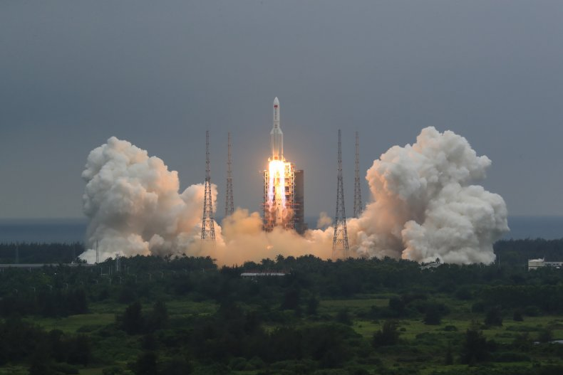 Chinese Rocket Reenter Earth
