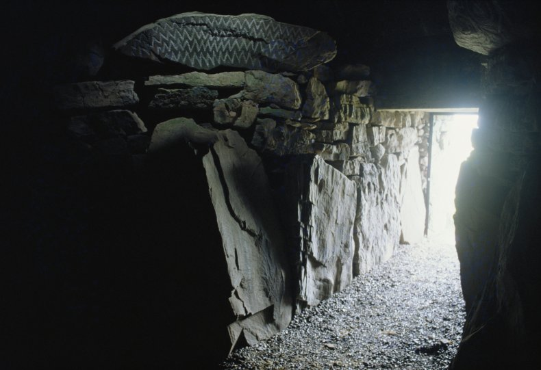 Ireland farmers unearths a Bronze Age tomb