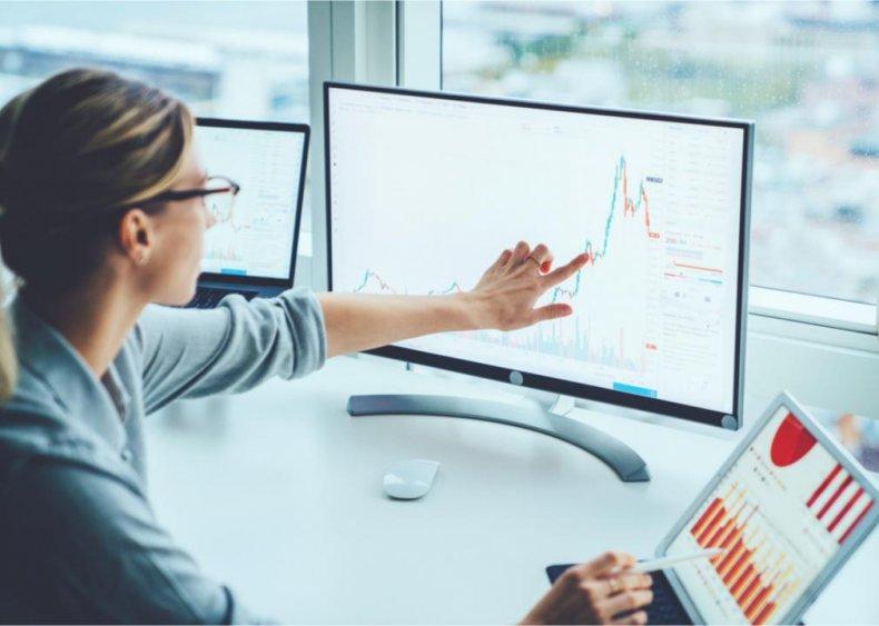 Women invest in underdog stocks that have lost money