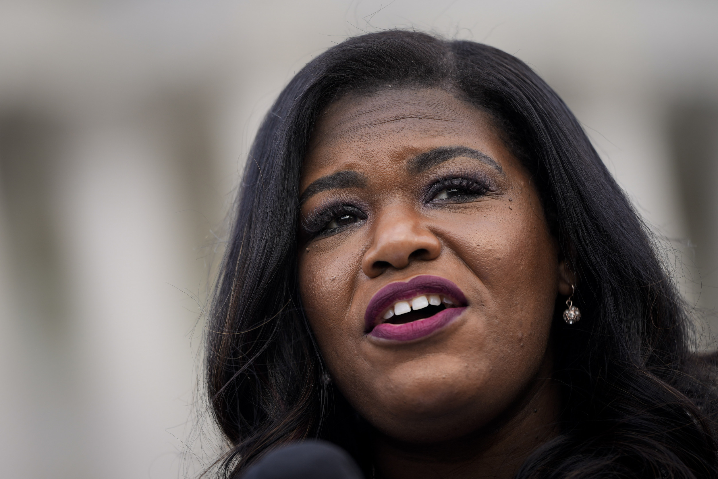 "Rep. Cori Bush says ""birthing people"" in ""maternal health crisis"" testimony, and Twitter goes nuts"