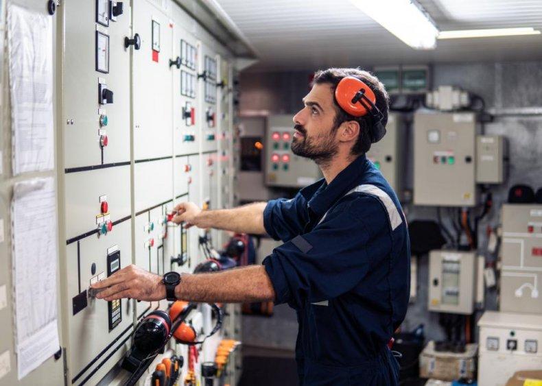 #97. Ship Engineers