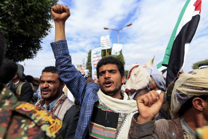 Supporters of Yemen's Shiite Houthi Movement