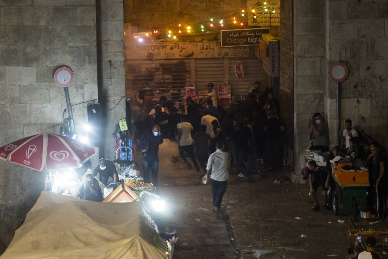 Clashes between Palestinians and Israeli police