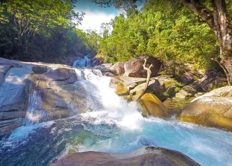 Waterfall Windin Falls trail