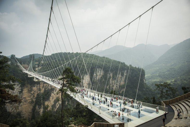 Glass bridge Zhangjiajie 2016