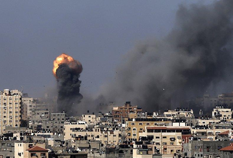 Air strikes Gaza City