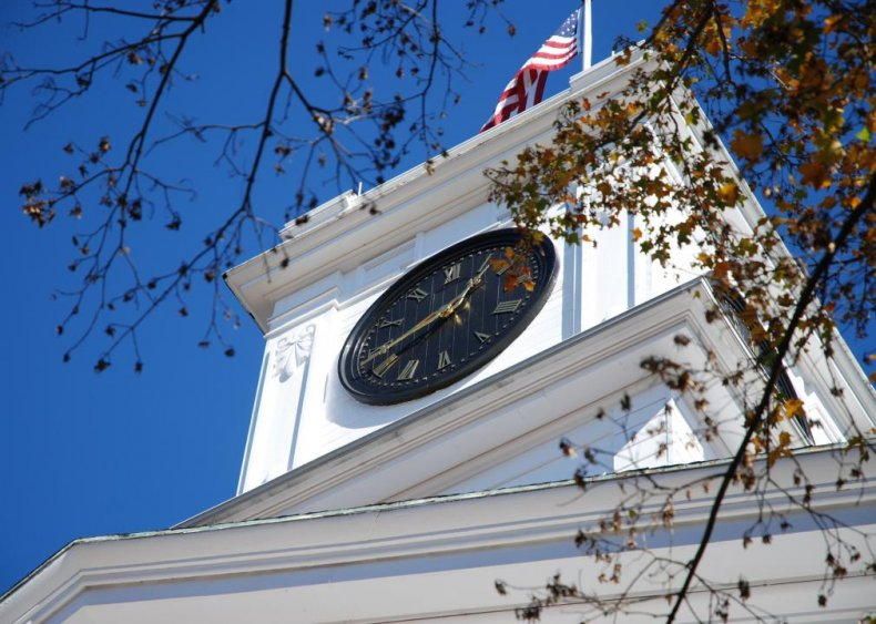 #32. Amherst College